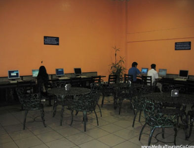 Clinica Biblica Hospital Internet Cafe