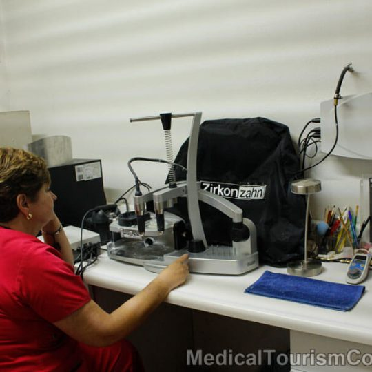 Ramlanz Dental Clinic Mexicali Equipment Zirkonzahn Machine