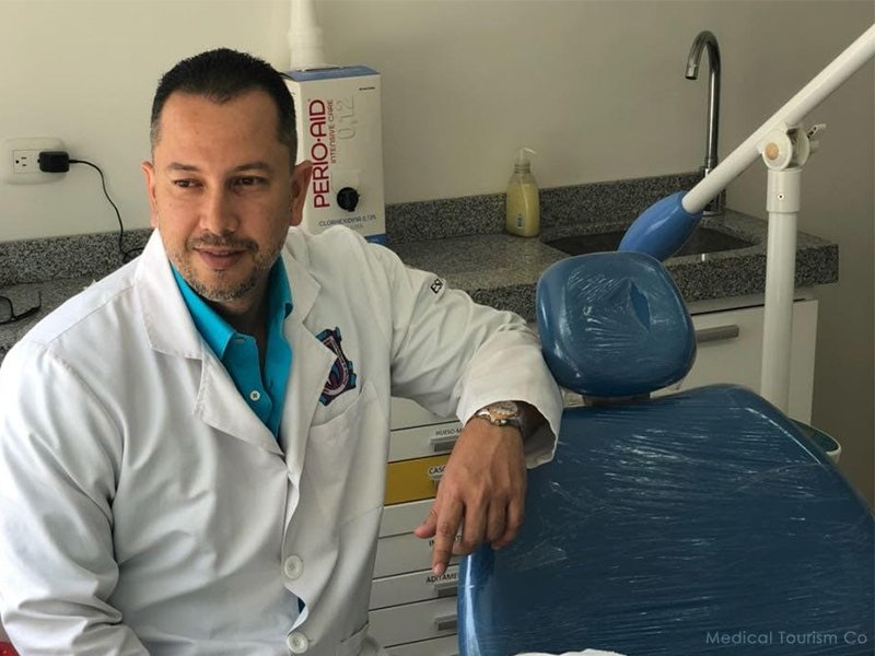 Oliver Julio- Colombian Dentist Cartagena, Colombia