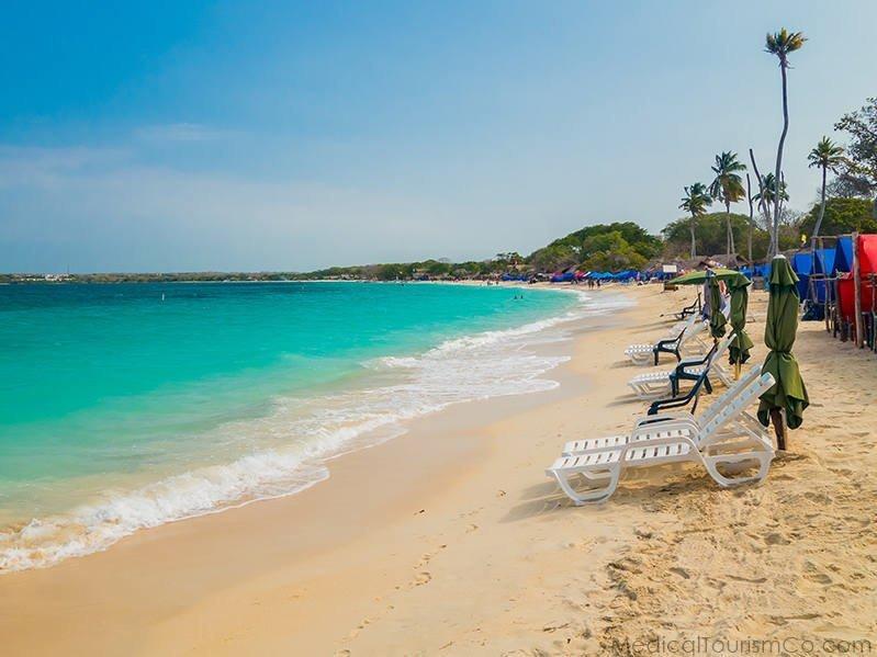 tourist place-Playa Blanca cartagena