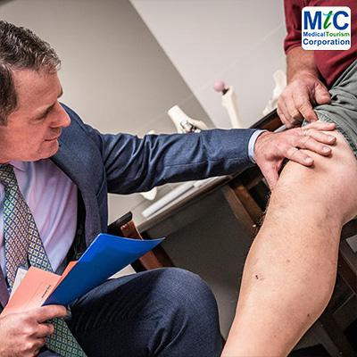 Orthopedic Surgeon USA | Patient Examination