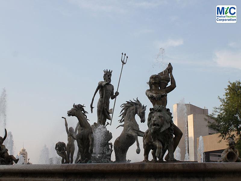 Fountain of Neptune | Monterrey Tourism